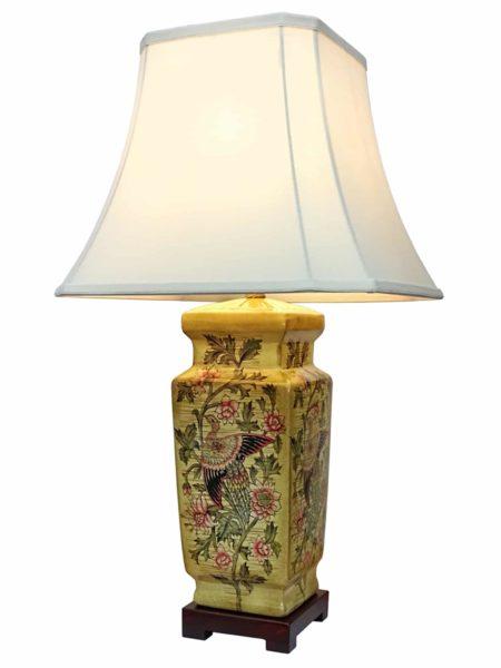 Lianyun Chinese Porcelain Lamp