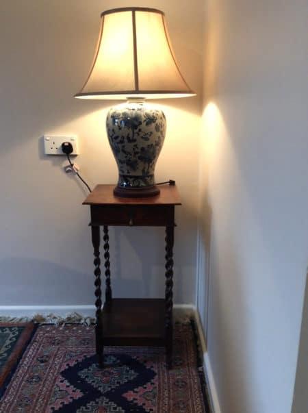 Quanshan Chinese Porcelain Table Lamp
